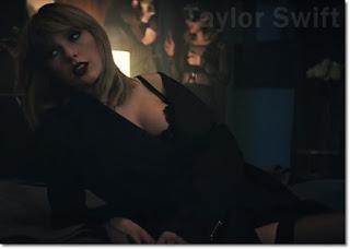 テイラー・スウィフト (Taylor Swift)、ラペルラ(La Perla)ブラを着用。