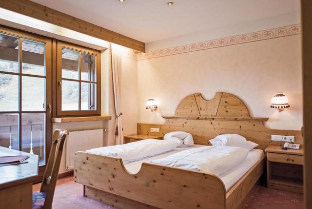 groupon-lago-di-braies-hotel-edelweiss-camera-poracci-in-viaggio