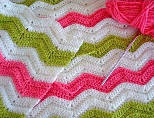 Wonderful Blanket Chevron Crochet   - Free Instructions