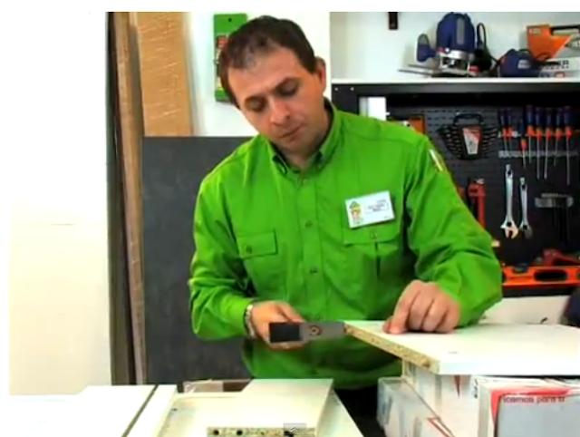 Cocina de melamina muebles bajos armado de m dulos video 2 - Como montar muebles de cocina ...