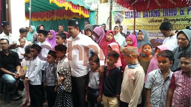Yusriadi kembali bagi-bagi Sarung Wadimor di Kota Juang Bireuen