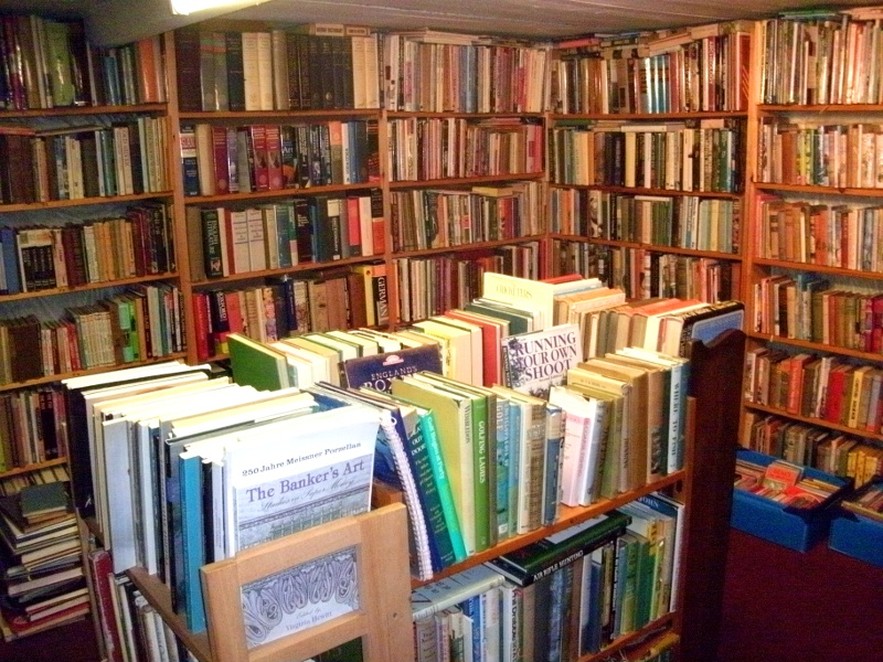 The Topsham Bookshop: Floors