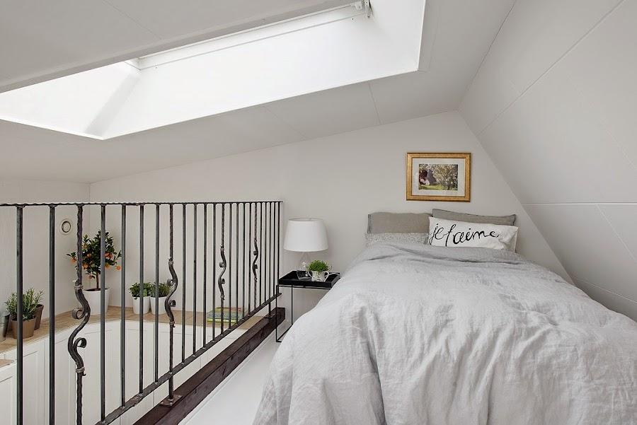 Interior un altillo luminoso de 36 m2 39 tr s chic for Decoracion de altillos