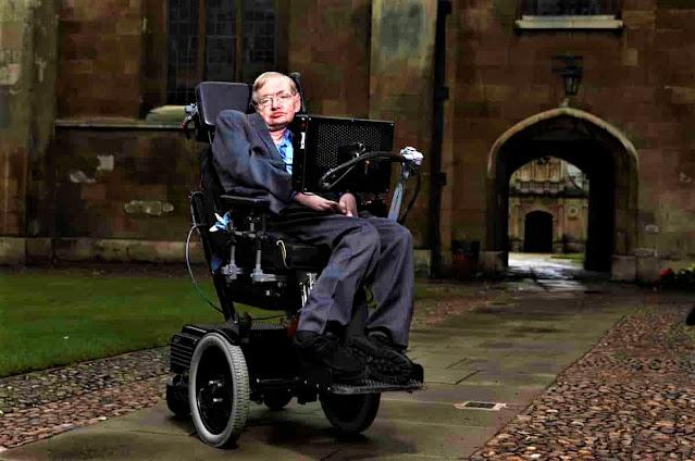 ستيفن هوكينغ (1942-2018)، أبرز علماء الفيزياء النظرية وعلم الكون