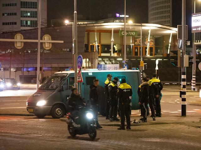 بعد أيام من العنف.. هولندا تشهد هدوء نسبي مساء اليوم الرابع لحظر التجوال