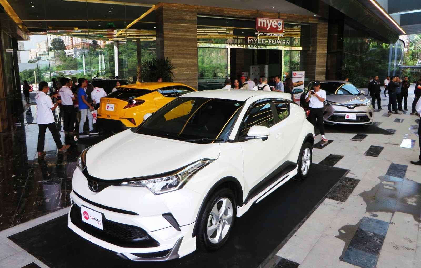 Motoring-Malaysia: Toyota C-HR Turbo Previewed By MyMotor
