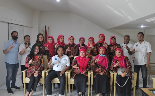 Pengurus DPW PPLIPI Jabar  Kunjungi SMSI Jabar, Angkat Harkat-Martabat Perempuan