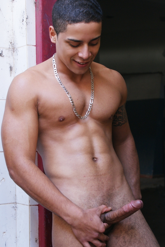Luciano Gomes - Garoto de Programa
