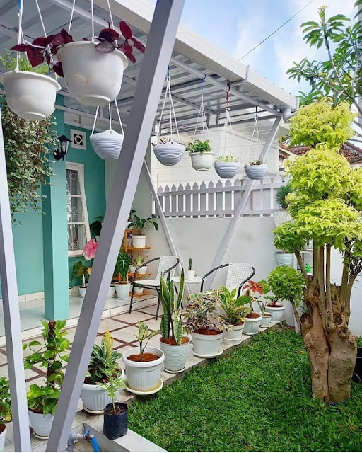 Dekorasi Teras Belakang Rumah untuk Hunian Minimalis Terbaru