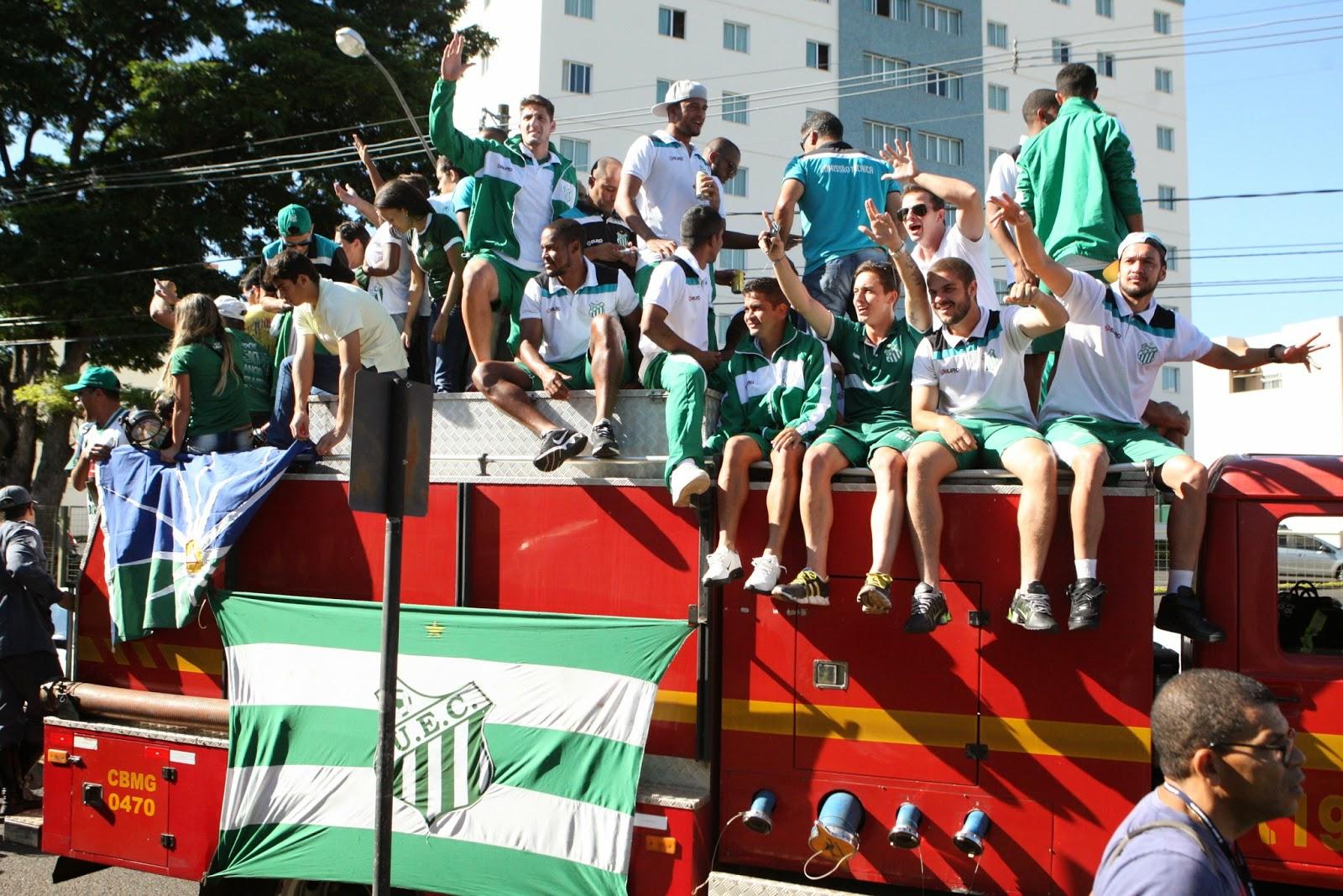 O time do Uberlândia Esporte Clube foi recebido com festa na manhã desta  segunda-feira (25), após vencer o Ipatinga no Vale do Aço e conquistar, ... 134edc1dc0