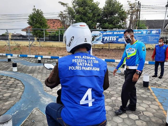 """Polres Pamekasan Meluncurkan Inovasi """"PETIS"""", Permudah Masyarakat Untuk Mendapatkan SIM"""