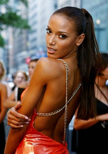 Selita ebanks big cleavage in sexy outfit and topless posing