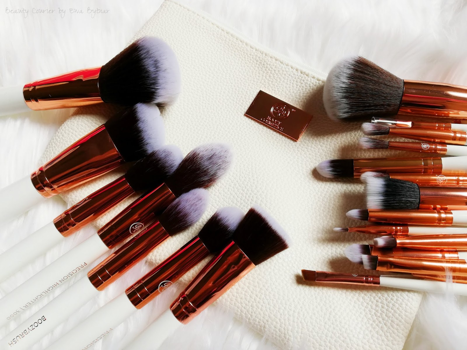 Review | Boozyshop - Boozy Cosmetics - 24 pieces brush set