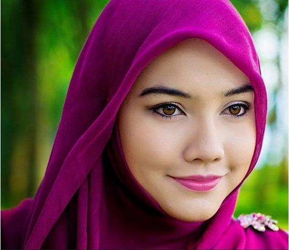 Tipe Lipstik untuk Ladies Berhijab Agar Tetap Fashionable