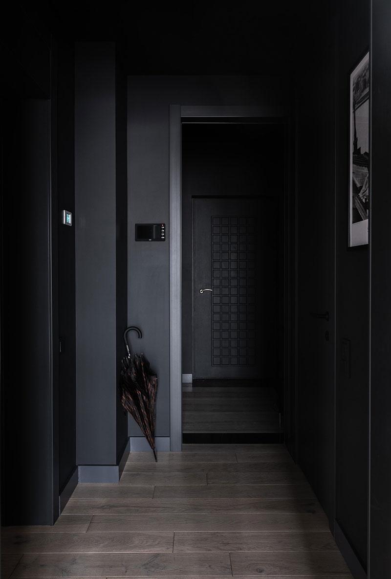 ilaria fatone - un couloir en noir