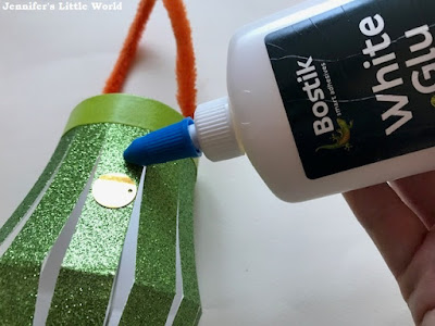 Using Bostik white glu for crafting