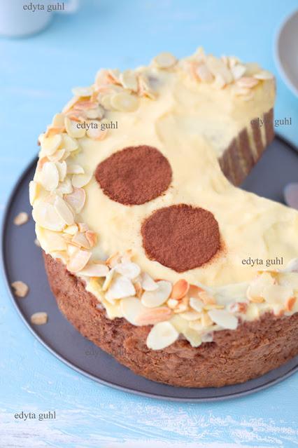 orzechowe-ciasto-z-budyniem-przepis