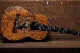 Tips agar gitar awet sampai hingga puluhan tahun.