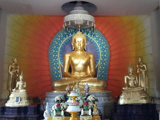 SeKilas tentang Dana (berdana) atau sedekah dalam ajaran Buddha.