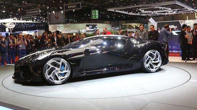 Bugatti la voiture Noire being unveiled at the Geneva show