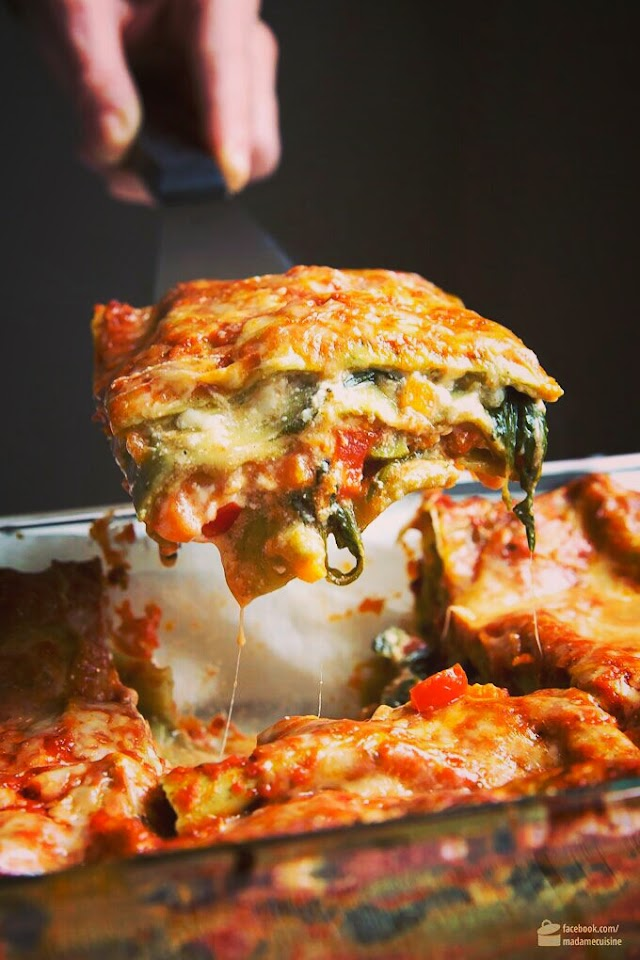 Vegetable lasagna with spinach-Vegan