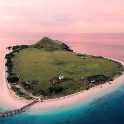 Pesona Pulau Kanawa