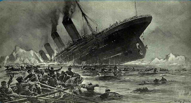 In what year did the RMS Titanic sink?