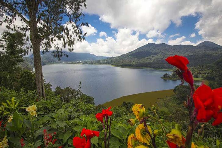 Danau Buyan Bedugul Bali - Fasilitas Wisata dan Harga Tiket Masuk