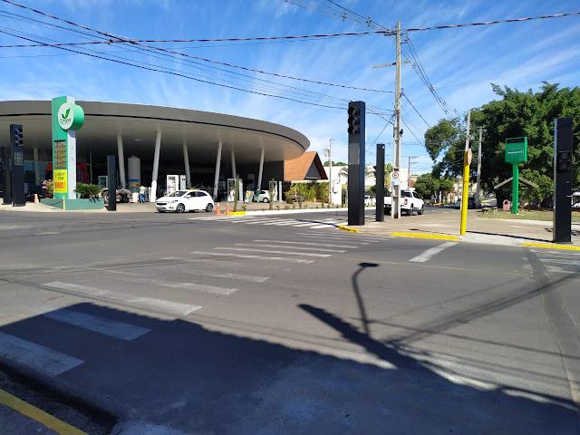 Semáforo instalado no Parque dos Pioneiros entra em funcionamento nesta terça