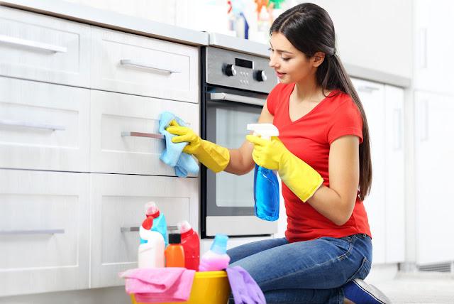 Lindungi Tubuh Anda Sebelum Membersihkan Rumah