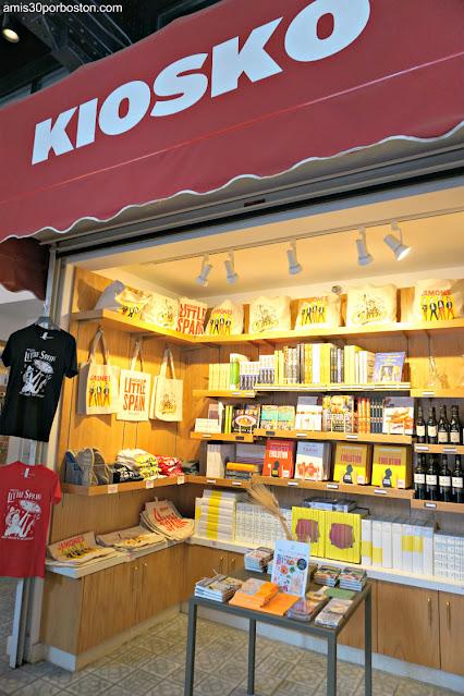 Kiosko del Mercado Little Spain en Nueva York