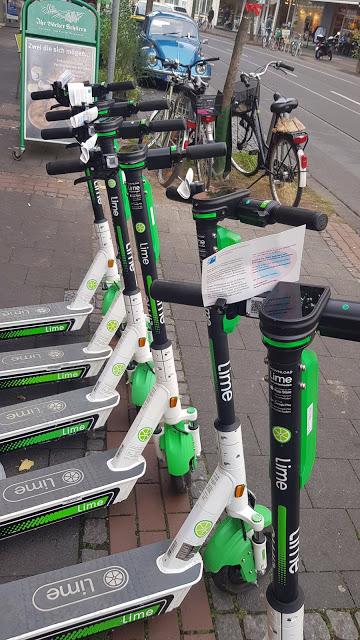 https://www.bild.de/regional/berlin/berlin-aktuell/knoellchen-fuer-e-scooter-berliner-polizei-auf-roller-rowdy-jagd-64427096.bild.html