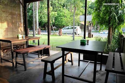 Soto Kudus Kedai Taman, Surabaya