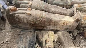 Hallazgos importante en Egipto al descubrir alrededor de un centenar de sarcófagos con momias
