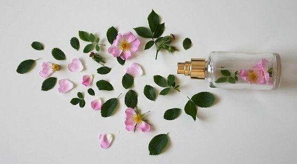 Diferencia entre perfume y colonia natural