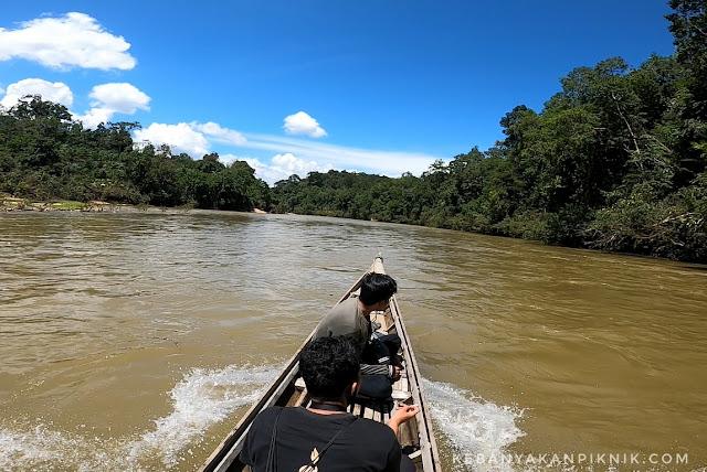 Foto Naik Pighau sampan mesin di Sungai Subayang Kampar Kiri Hulu