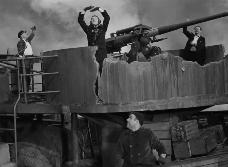 COMBOIO PARA O LESTE (LEGENDADO/720P) – 1943 16