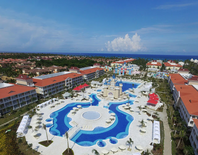 "Discover the Fantasia Bahia Principe resort. Find the best ""all inclusive"" offers for hotels and resorts in the Dominican Republic."