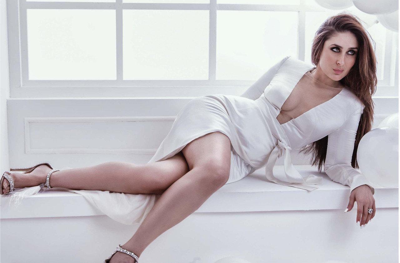 Sexy Nude Pics Of Kareena Kapoor