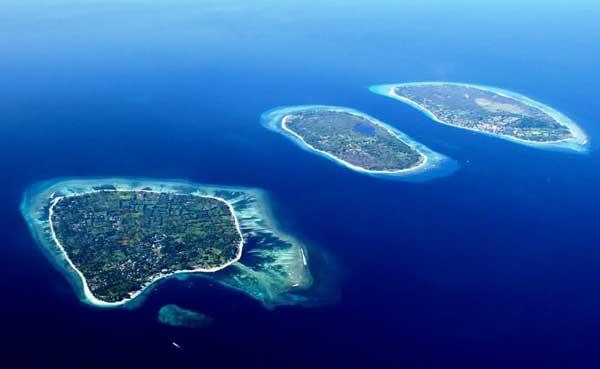 4 Tempat Wisata Favorit Turis Asing yang Akan Menginspirasi Anda