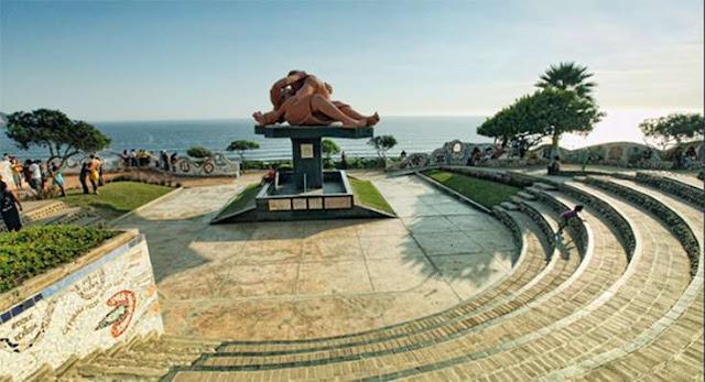 parque del amor monumento del beso lima peru