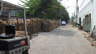 thuê xưởng gỗ
