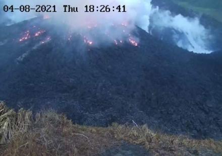 Κίνδυνος ισχυρής έκρηξης του ηφαιστείου Σουφριέρ στο νησί του Αγίου Βικεντίου στην Καραϊβική