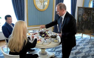 Vladimir Putin congratulated Iosif Kobzon on his 80th birthday.