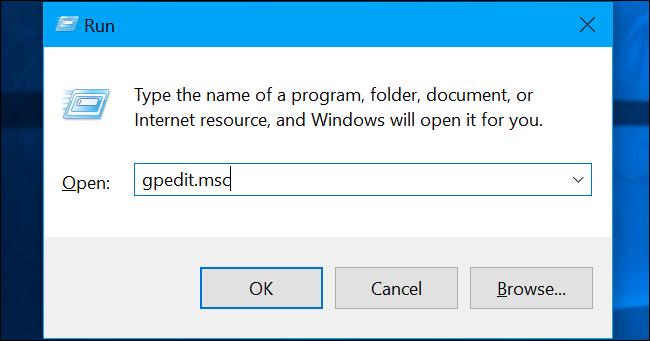 """اضغط على Windows + R ، واكتب """"gpedit.msc"""" في المربع ، واضغط على Enter."""