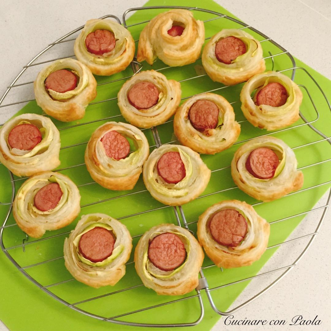Girelle di sfoglia con zucchine e wurstel cucinare con paola for Cucinare wurstel