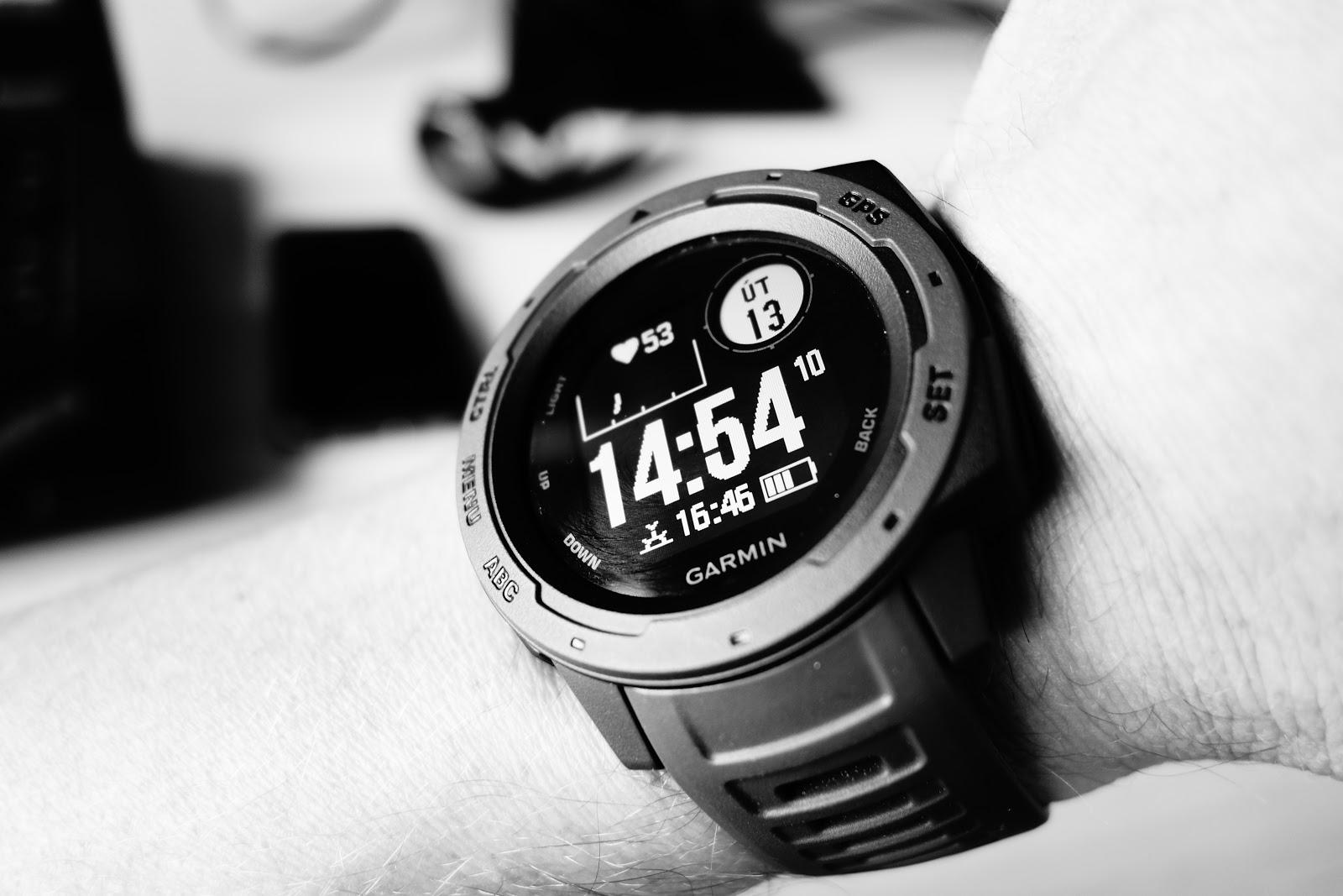Garmin Instinct jsou hodinky 92d59e6ee2