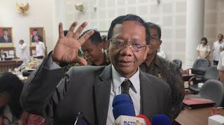 Kocak! Setelah Viral, Mahfud MD Ralat Ucapannya Soal 92% Kepala Daerah Dibiayai Cukong