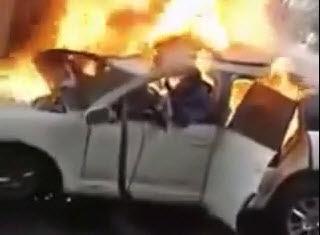 HORROR:Hombre se Arde en Vida en su Auto