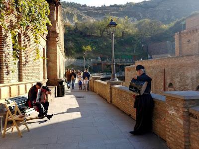 Tbilisi spacer po starym mieście
